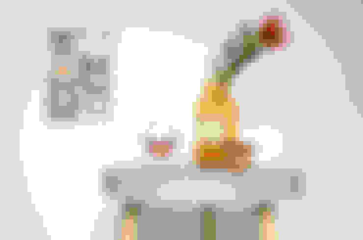 Taxidermy; de kunst van het opzetten:  Woonkamer door a TICKET HOME