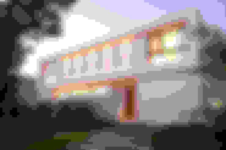 Entrance: Estancias de estilo  por Ramirez Arquitectura