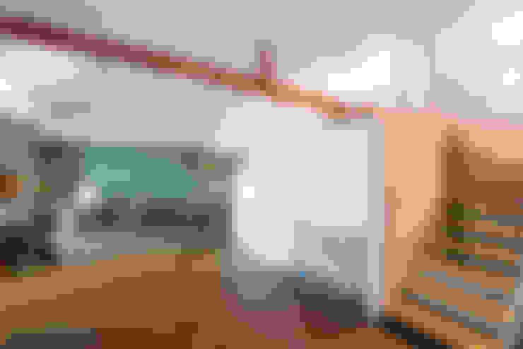 Интерьер студии ул. Дальняя: Коридор и прихожая в . Автор – design-bureau 'DEPO'