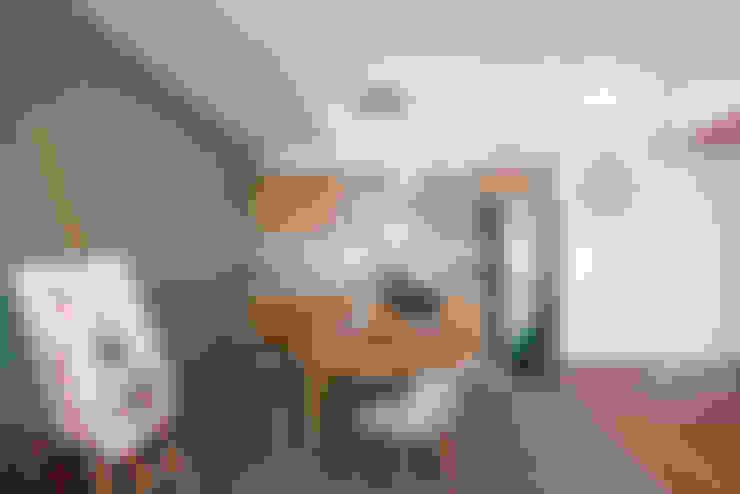Интерьер студии ул. Дальняя: Кухни в . Автор – design-bureau 'DEPO'