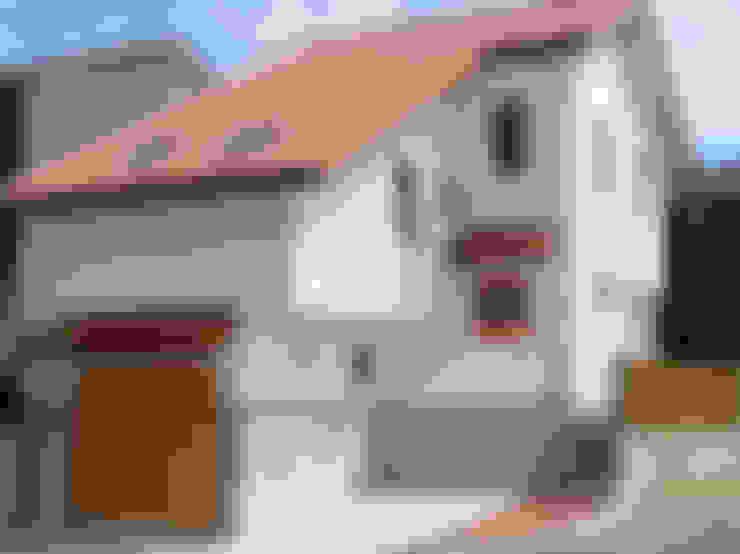 ビルトインガレージからスタートしたスキップフロア: 株式会社 ヨゴホームズが手掛けた家です。