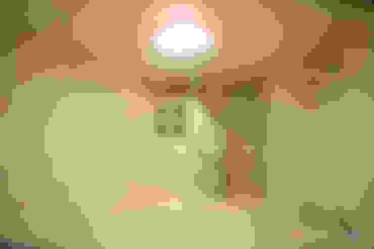 4인가족이 사는 화이트톤의 깔끔한 집_32py: 홍예디자인의  아이방