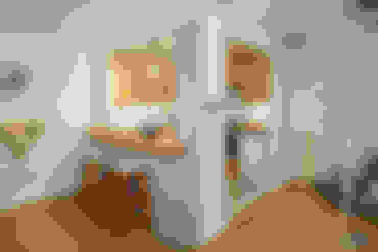 Kitchen by Katie Malik Interiors