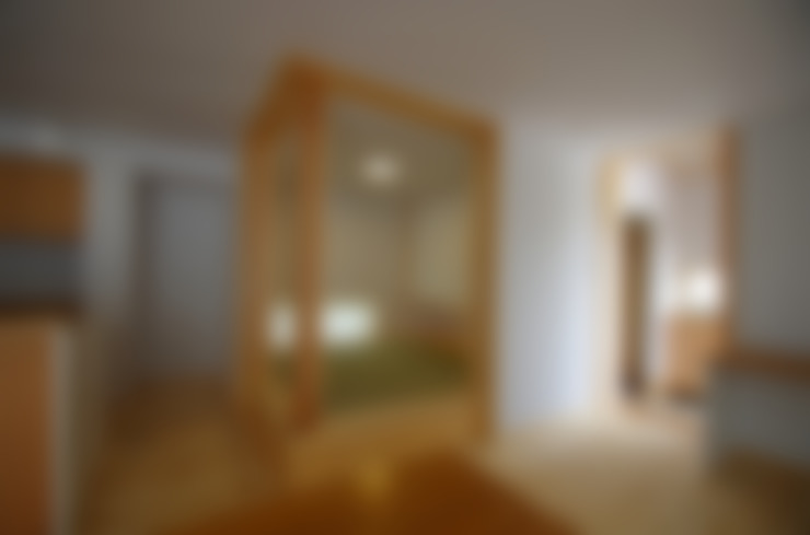Salas de estar  por K+Yアトリエ一級建築士事務所