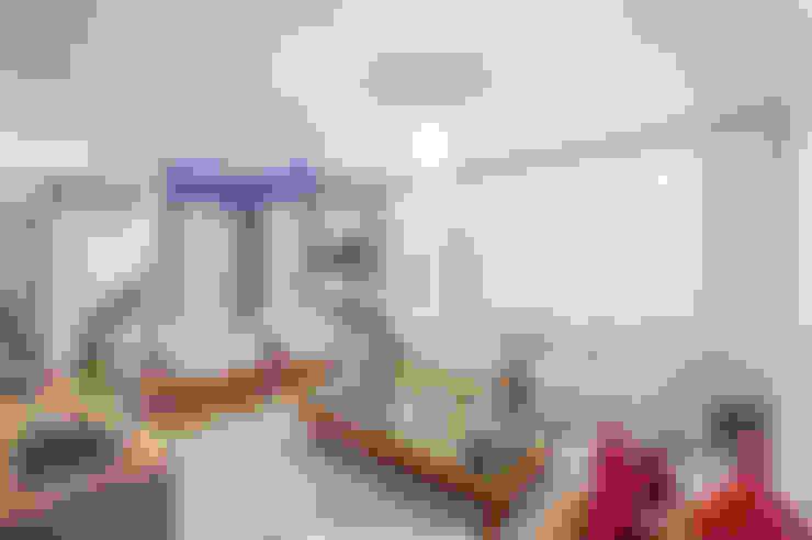 Living room by Patrícia Azoni Arquitetura + Arte & Design
