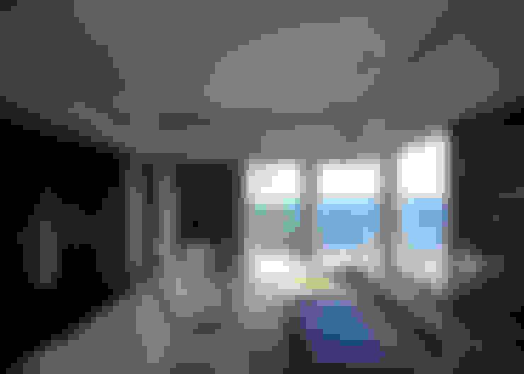 floating: 大井立夫設計工房が手掛けたリビングです。
