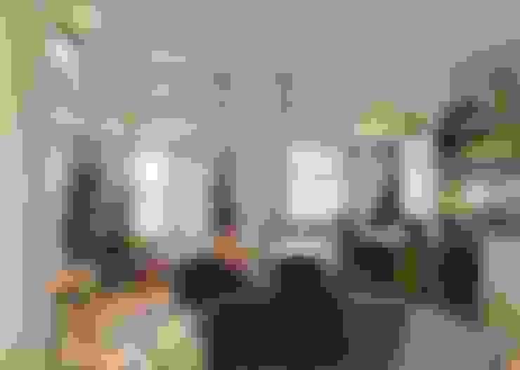 棚の家: 株式会社エキップが手掛けたダイニングです。