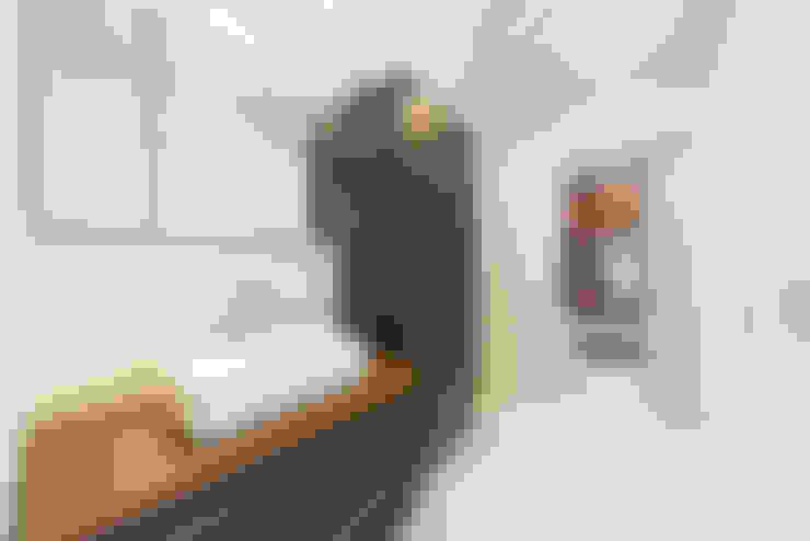 眺める森の家 洗面室: フォーレストデザイン一級建築士事務所が手掛けたです。