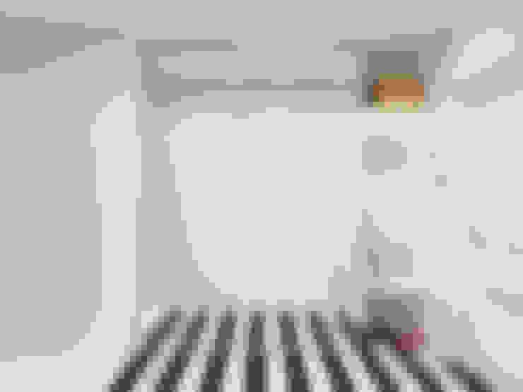 Corridor & hallway by Оксана Мухина