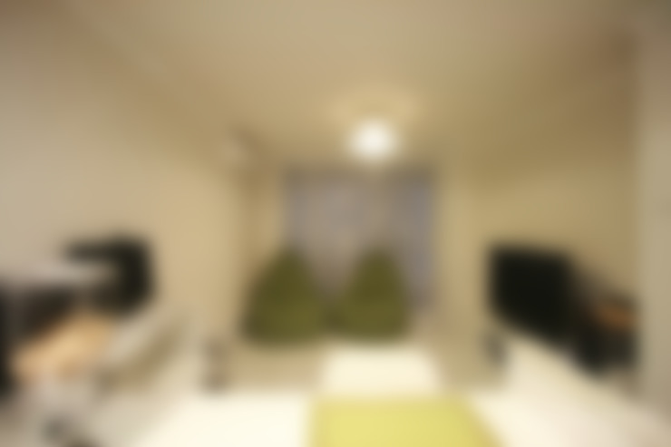 아기자기한 15평 싱글하우스 : 홍예디자인의  거실