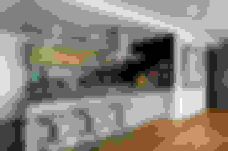 Cocinas de estilo  por MAAD arquitectura y diseño