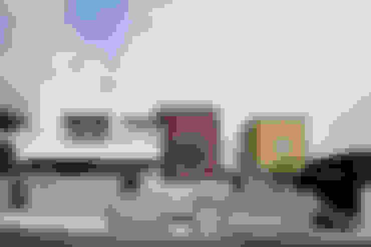 Huizen door MAY COMPANY & ARCHITECTS
