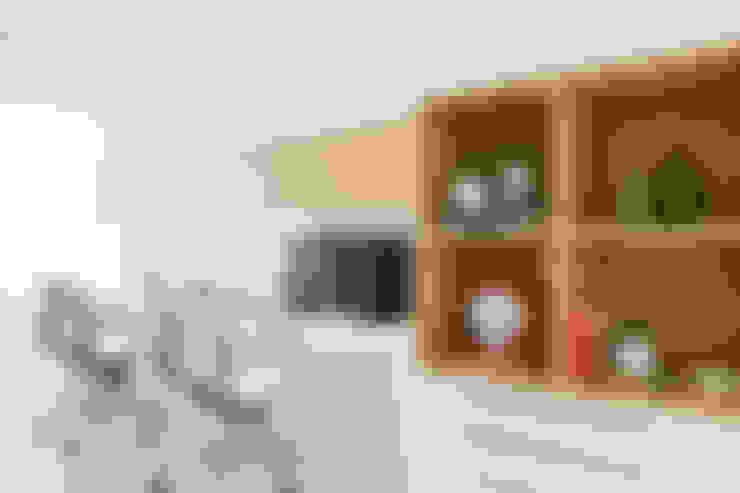 Oficinas y tiendas de estilo  por Tatiana Spencer Arquitetura e Design