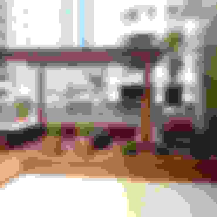 Pergolado: Terraços  por Atelier Plural