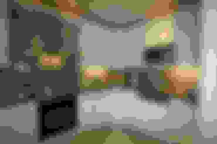 Kitchen by WOHNGLÜCK Immobilien
