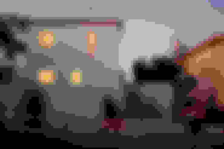 Houses by EXTRASTUDIO