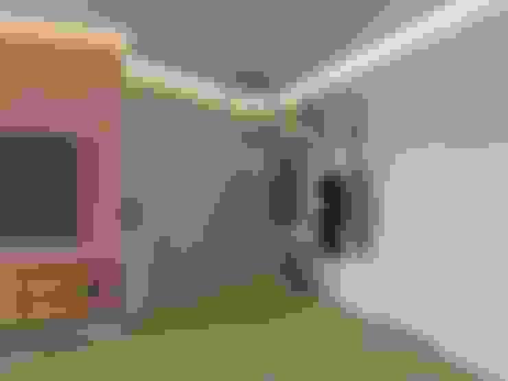 Pasillos y recibidores de estilo  por Tatiana Zaitseva Design Studio
