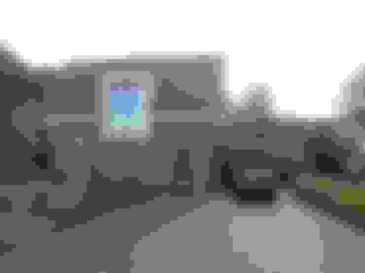 Casas de estilo  por ir. G. van der Veen Architect BNA