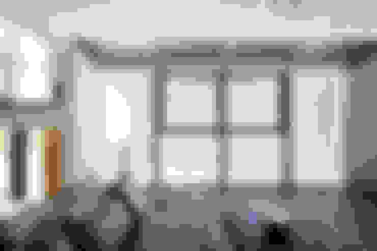 Living: 株式会社 Atelier-Dが手掛けた窓&ドアです。