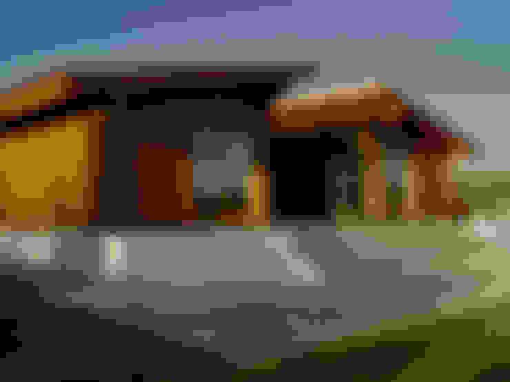 Casas de estilo  por MIGUEL VISEU COELHO ARQUITECTOS ASSOCIADOS LDA