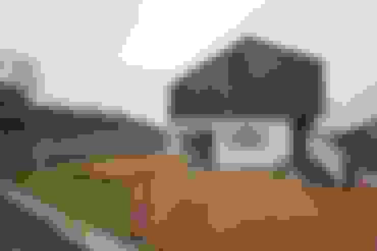Loop House 무한궤도 하우스 : ADMOBE Architect의  주택