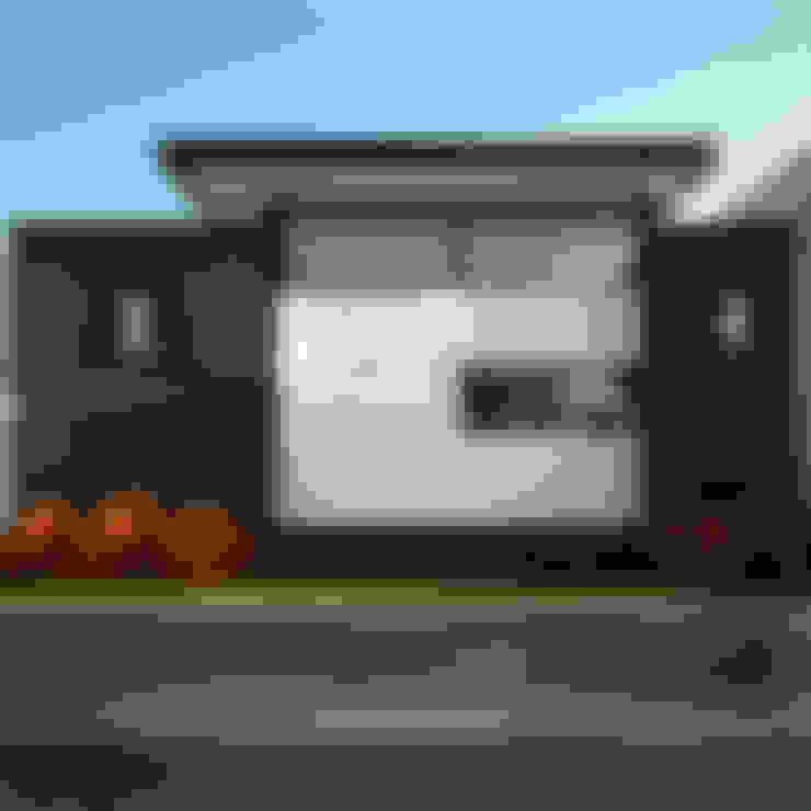 Rumah by Wowa