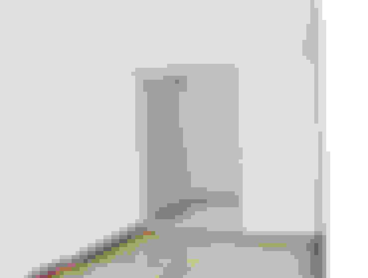 APARTAMENTO 62: Estudios y despachos de estilo  por santiago dussan architecture & Interior design