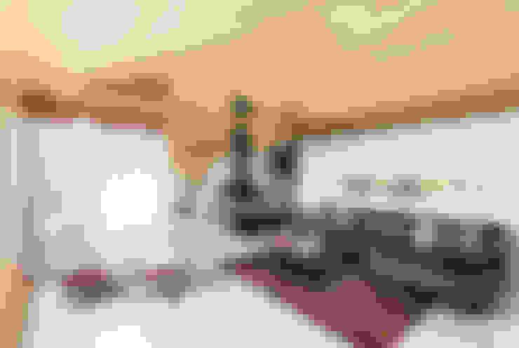 Salas / recibidores de estilo  por dom arquitectura