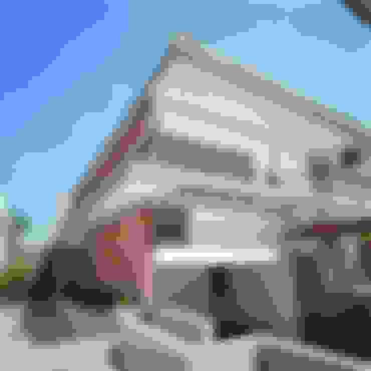 Casa Laura Siena: Casas de estilo  por PA - Puchetti Arquitectos