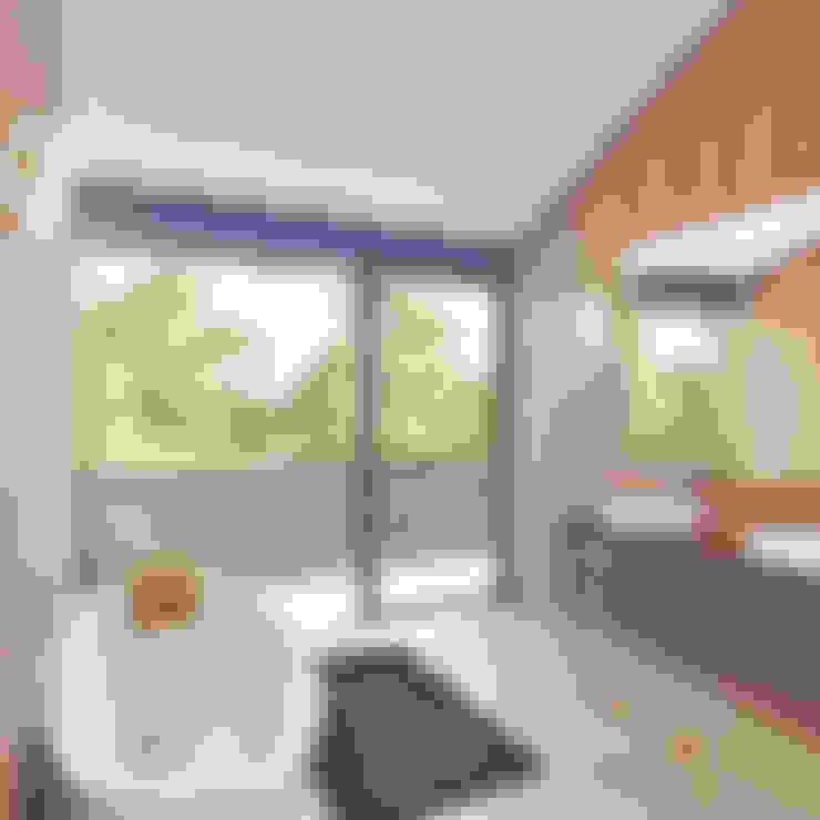 Bathroom by clear-house
