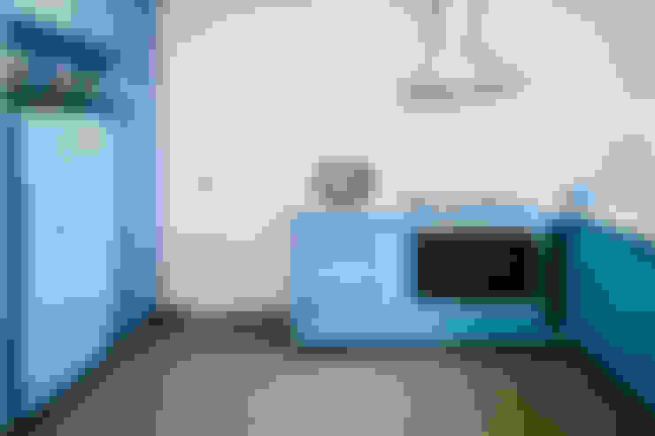 OPEN HOUSE | MAX LACERDA: Cozinha  por Casa de Valentina