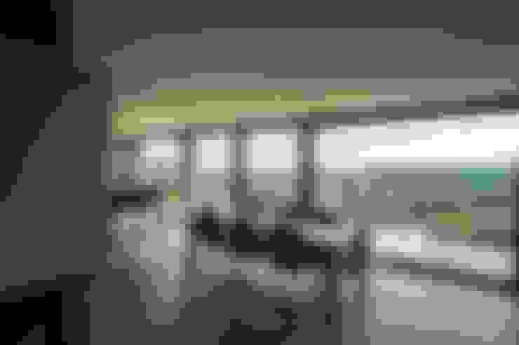 Comedores de estilo  por BURO5 - architectes & associés