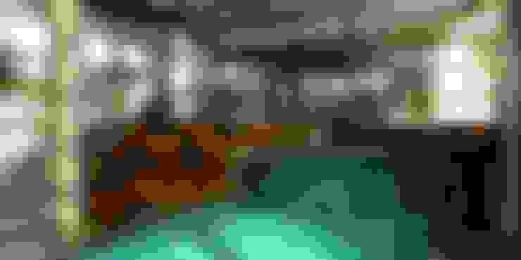 Moradia Marinha: Piscinas  por Karst, Lda