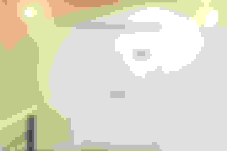 마산 구산면 주택 인테리어 : 핸디디자인 의  창문