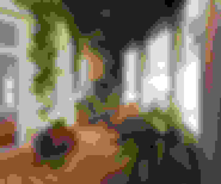 Нягань . Дизайн проект зимнего сада в коттедже от Батенькофф: Зимние сады в . Автор – Дизайн студия 'Дизайнер интерьера № 1'