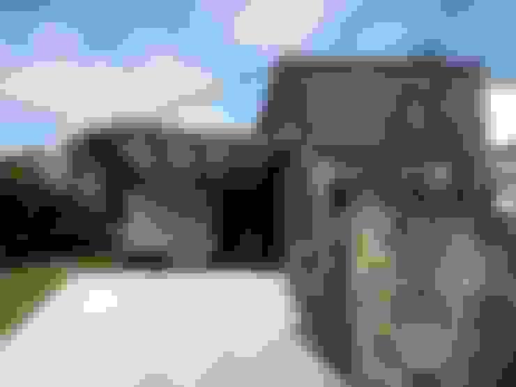 Häuser von Andrés Hincapíe Arquitectos  A H A