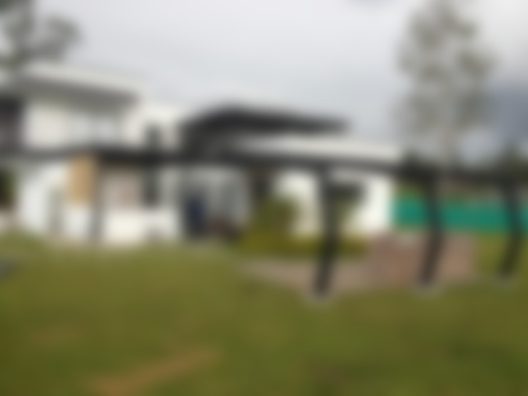 Houses by Andrés Hincapíe Arquitectos  A H A
