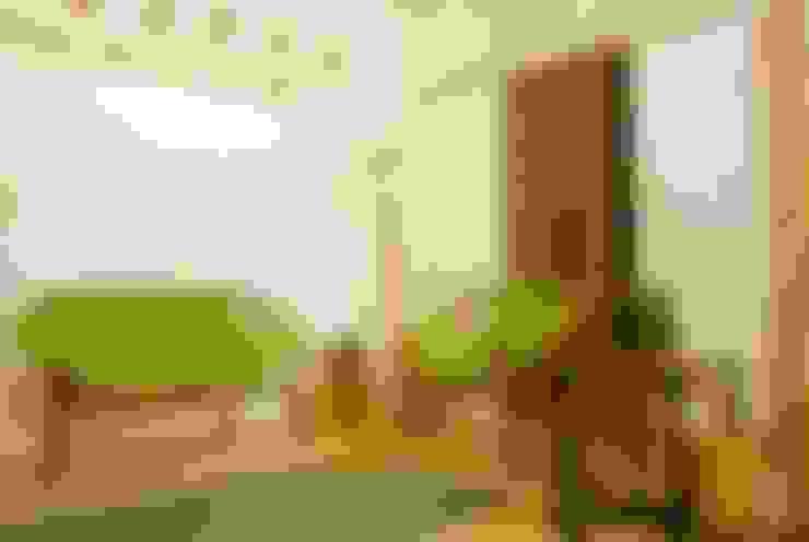 Salas de estar  por Errol Reubens Associates