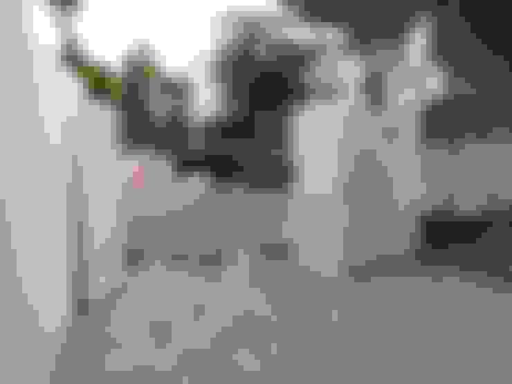 Garagens e arrecadações  por Rudeco Construcciones