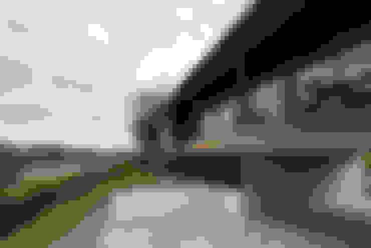 Casas  por Mimasis Design/ミメイシス デザイン