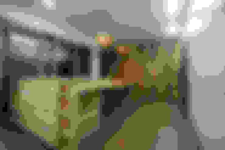 Kitchen by 비온후풍경 ㅣ J2H Architects