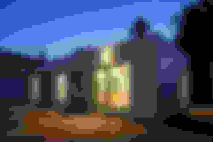 Casas de estilo  por Casas inHAUS