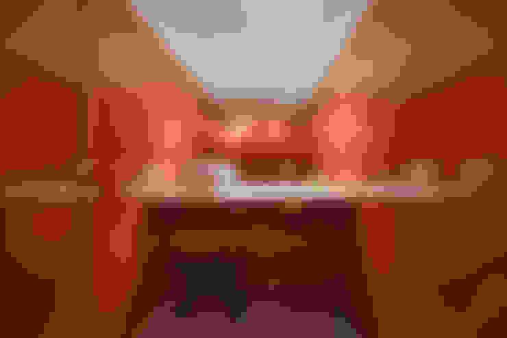 Lavabo: Banheiros  por Piratininga Arquitetos Associados
