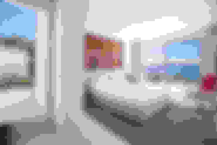 Bedroom by ANTONIO HUERTA ARQUITECTOS