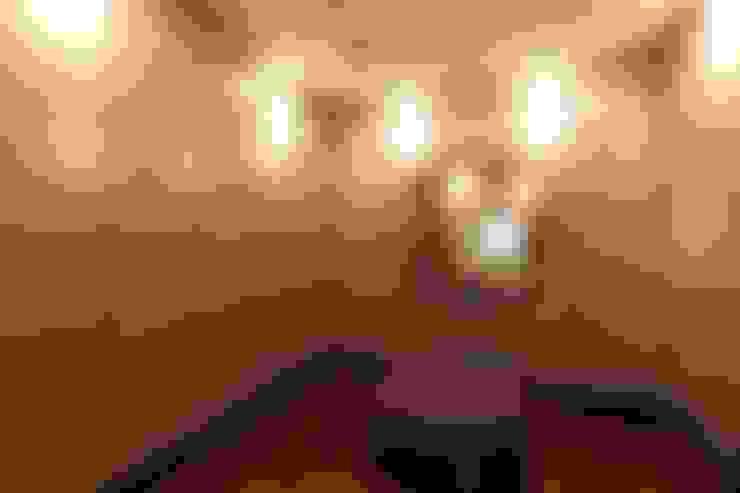 TELOS İÇ MİMARLIK VE TASARIM – GARDEN PREMIUM VILLALARI - MOZAMBİK:  tarz Giyinme Odası