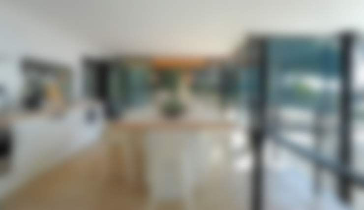 Kitchen by frederique Legon Pyra architecte