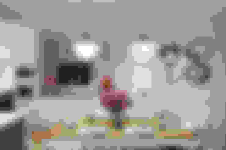 مطبخ تنفيذ Дарья Баранович Дизайн Интерьера