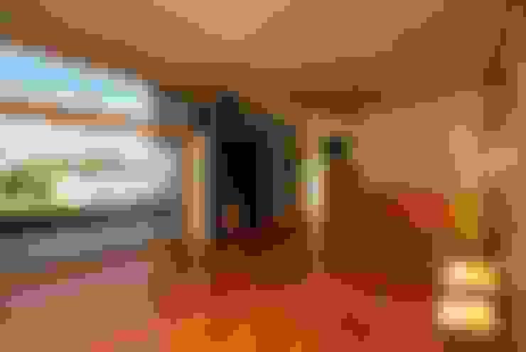 Living room by Landa Suberville