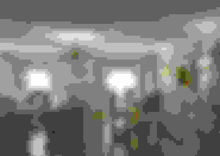 Ruang Keluarga by СТУДИЯ ДИЗАЙНА ЭЛИТНЫХ ИНТЕРЬЕРОВ АЛЕКСАНДРА ЕЛАШИНА.
