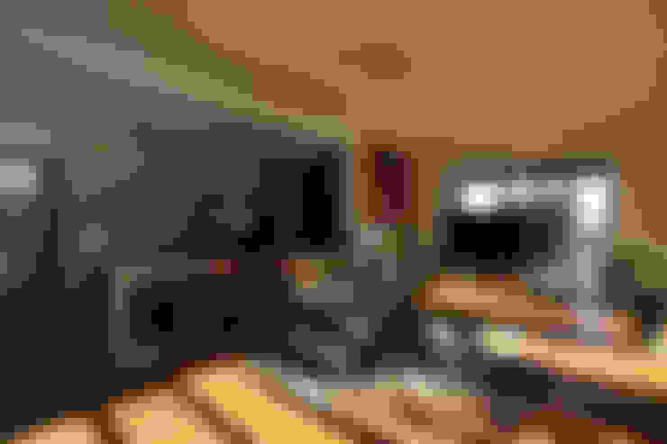 용인 문촌리 전원주택: 비온후풍경 ㅣ J2H Architects의  거실